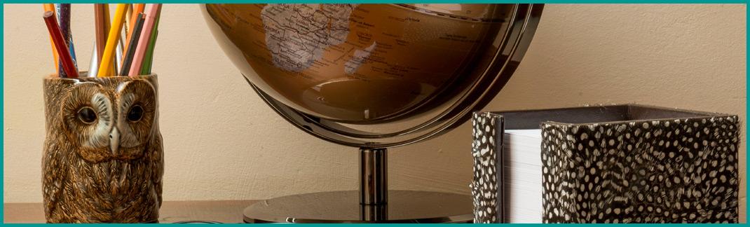 Desk Accessories & Photo Frames