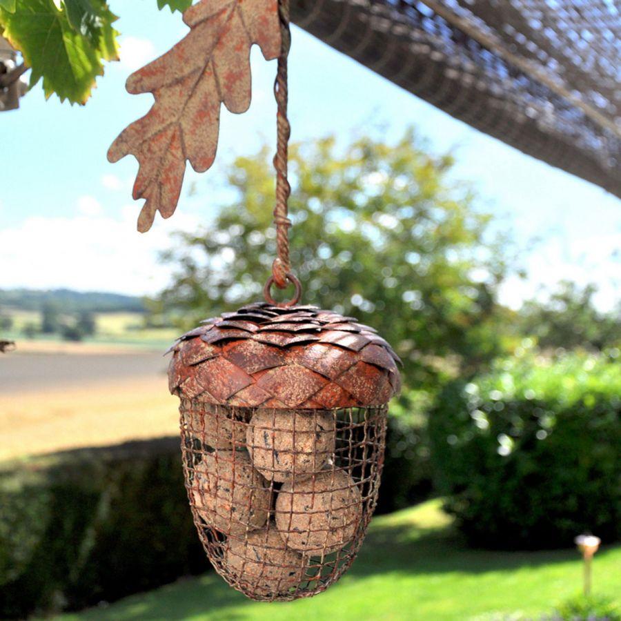 Acorn design bird feeder